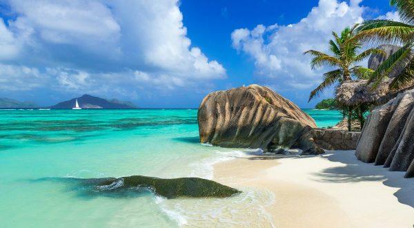 Seiling og strandliv på Seychellene